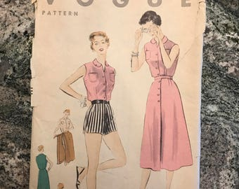 Vogue Pattern - 7967 - Size 14. Bust 32. Hip 35.
