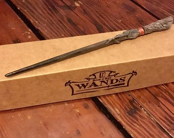 Dathúil Hand Carved Magic Wand Wizard / Witch