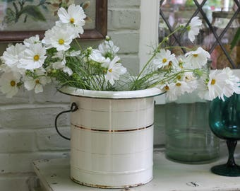 Lovely Vintage French Enamel Bucket with Lid/Bread Bin/ Compost Bin/ Flower Bucket/ Country Decor/ Farmhouse kitchen Decor/ Kitchen Decor