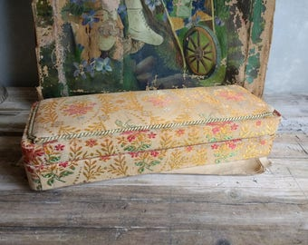 Beautiful VIntage boudoir box, French Floral Fabric Boudoir Box, Jewelry Box, Tapestry, Sewing Box