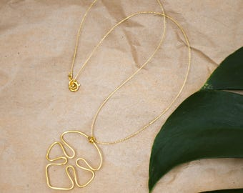 Handmade chain with Monstera pendant, gold