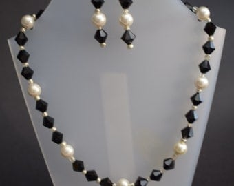 Bicone and pearl Necklace with Drop earrings Black