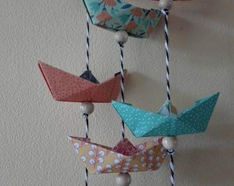 Guirlandes de bateaux en papier