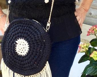 Round crochet fringe bag