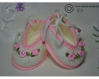 Crochet Baby Shoes / Girls Shoes / Baby Girl Gift / Crochet Baby Sneakers / Cute Baby Shoes / Newborn Baby Shoes / Baby Slippers / Pregnancy