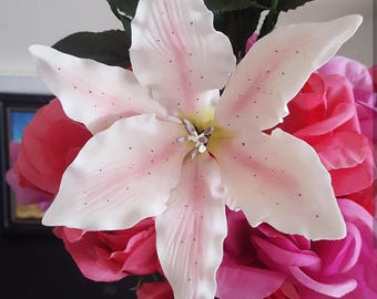 Gumpaste Stargazer Lily
