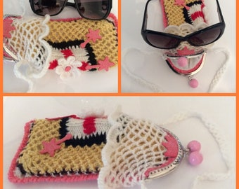 Soldes30%!  CODE: SOLDESCNS. Chic and elegant acrylic crochet glasses case.