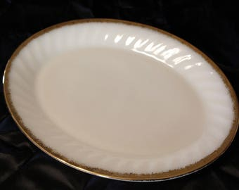 Vintage Anchor Hocking Fire King White Milk Glass Platter With Gold Trim