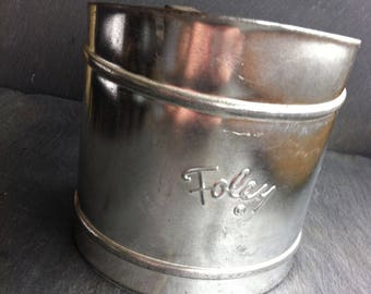 Vintage Foley Handheld  Flour Sifter Single Screen Squeeze Handle Made in USA~ Aluminum