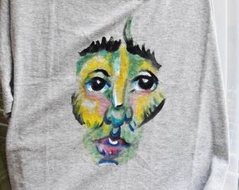 Ochre face -grey t shirt!