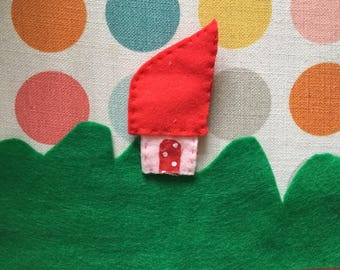 Little gnome house brooch. Felt brooch. Gnome's house.