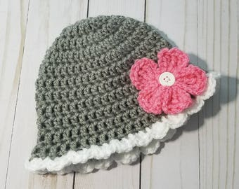 Pretty Daisy Baby Hat   Crochet   Photo Prop   Baby Shower Gift   Size 0-3 months and up