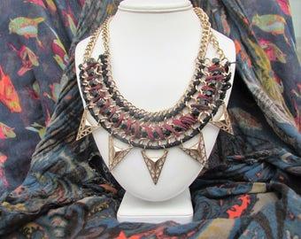 Large scoop design necklace