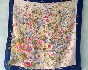 Floral motive silk square scarf