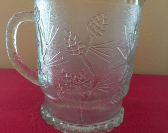 Indiana Glass - Tiara Exclusives - Ponderosa Pine Crystal Clear 68 oz. Pitcher