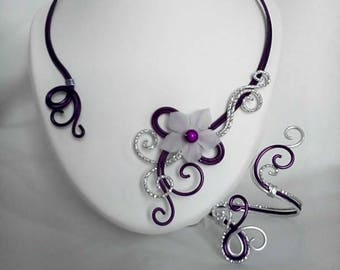 Necklace / bracelet in Eggplant and silver color aluminum wire