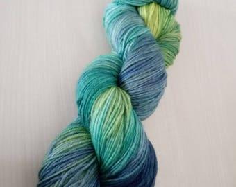 Hand-dyed wool Akiv Super FEINE blue iguana