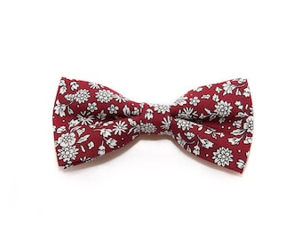 de MORÉ - Ruby-Red bow tie with white flowers