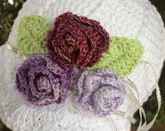 Girl's crochet cloche sun hat with flowers - white