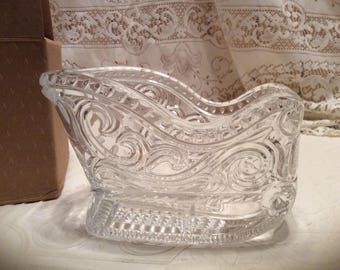 Vintage AVON Collectable 24% Lead CRYSTAL Sleigh Centerpiece