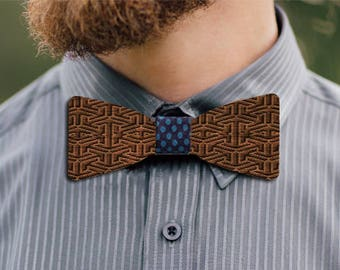 Grand Muveran wooden bow tie