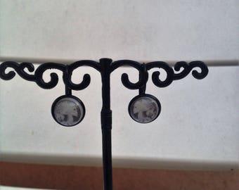 earring sleeper pattern skeleton woman glass dome