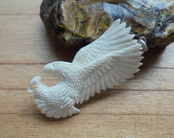 Flying Eagle Bone Pendant, Eagle Bone Carving Jewelry P315