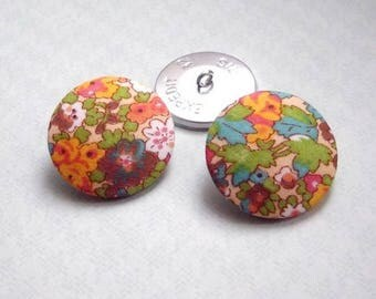 5 buttons covered with liberty green Natalie size and color OPTION, buttons are made in France