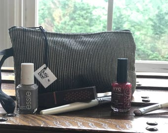 Cosmetic bag Wristlet