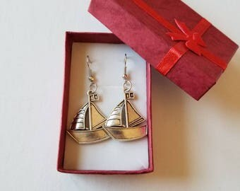 Boat earrings, Sailor earrings, Sailing lover earrings, Sailwoman earrings, Boat lover earrings,Boat jewelry, Sailing lover jewelry.