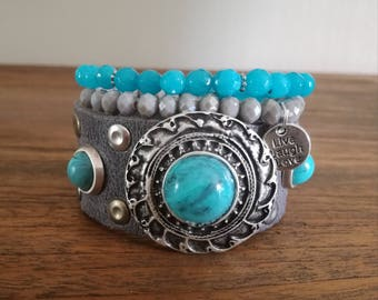 Beautiful armanden set in grey and turquoise.