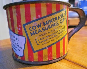 Vintage 1950s MoorMan's Feed measuring cup