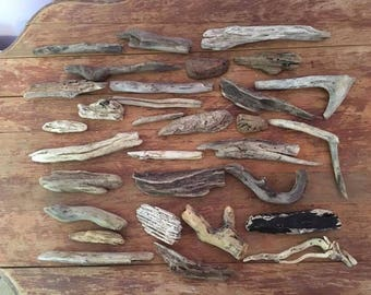 30  smaller pieces of natural Driftwood