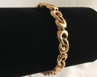 Monet Chain Bracelet, Gold Tone, Figure 8, Vintage, 1980s