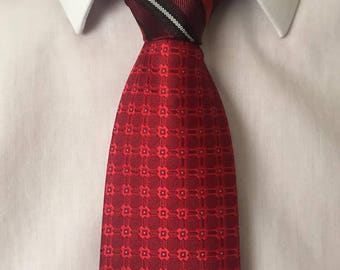 Two-Toned Tie (Go Go Power Tie)