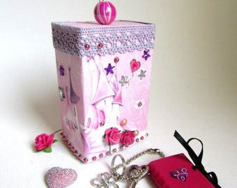 """for the Princess: gift box with mini-book """"lovestory"""""""