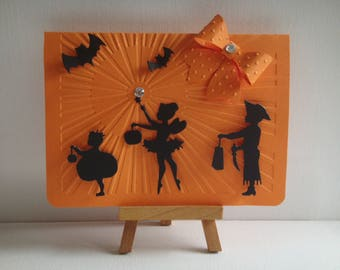 Kit card Halloween scene silhouette children going trick-or-treating make you even
