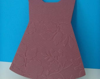 Card embossed with flowers + envelope cassis dress