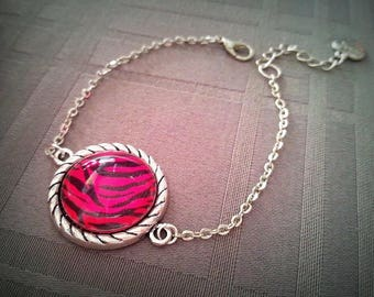 Bracelet Pink Zebra, 20mm, pink and black zebra print glass cabochon, antique silver metal