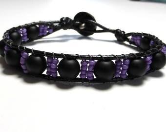 Bracelet onyx and purple seed beads