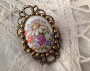 Old cabochon brooch, monte 32x20mm