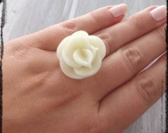 Nice novelty ring Glow light cold porcelain