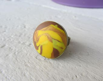 polymer clay mixed, yellow, Brown, gold on metal adjustable stand bronze round cabochon ring