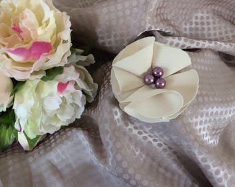 Flower 7.5 cm ivory chiffon with pearls