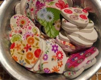Heart buttons 10 wood print mix pattern