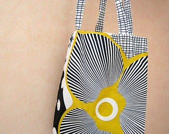 Tote cotton bag with flowers