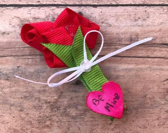Bouquet of Roses Valentine Sculpture Bow