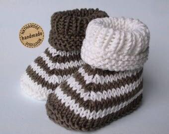Chaussons à rayures en coton bio écru et marron