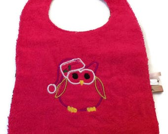 Pink bib with embroidered OWL