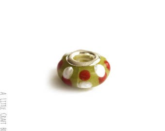 2 beads with polka dots lampwork - red / white / green